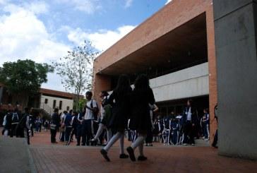 Colegios con la plata de los fondos de pensiones:  ¿Negocio para los trabajadores o para el sistema financiero?