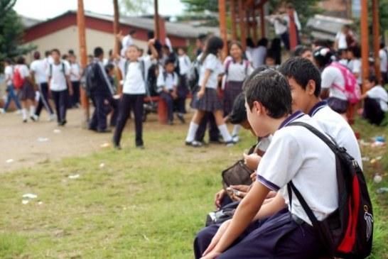 ¡EN GRATUIDAD EDUCATIVA LOS RECURSOS NO ALCANZAN NI PARA EL RECREO!
