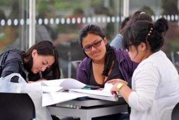 La política educativa de Santos continúa amenazando a las licenciaturas
